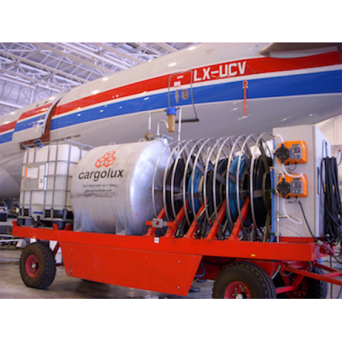 aircraft cleaning machine