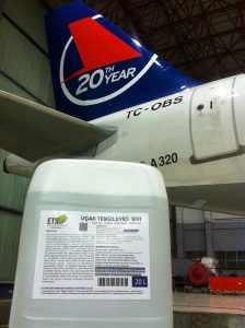 Aircraft cleaning gel