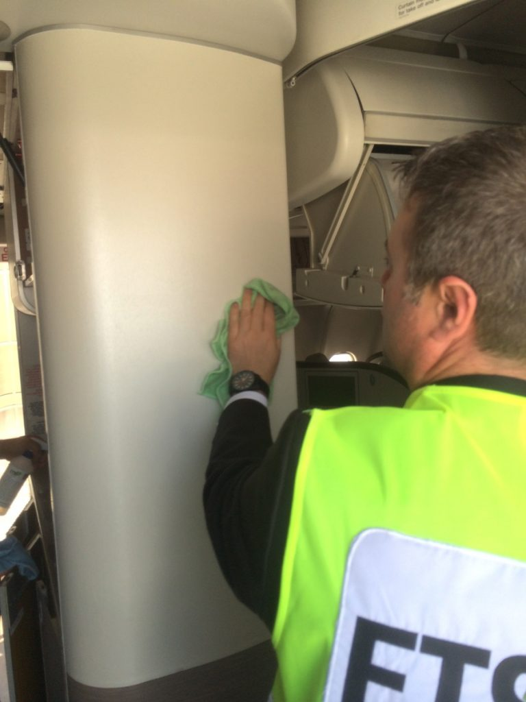 aircraft-interior-cleaner-wall-cleaning