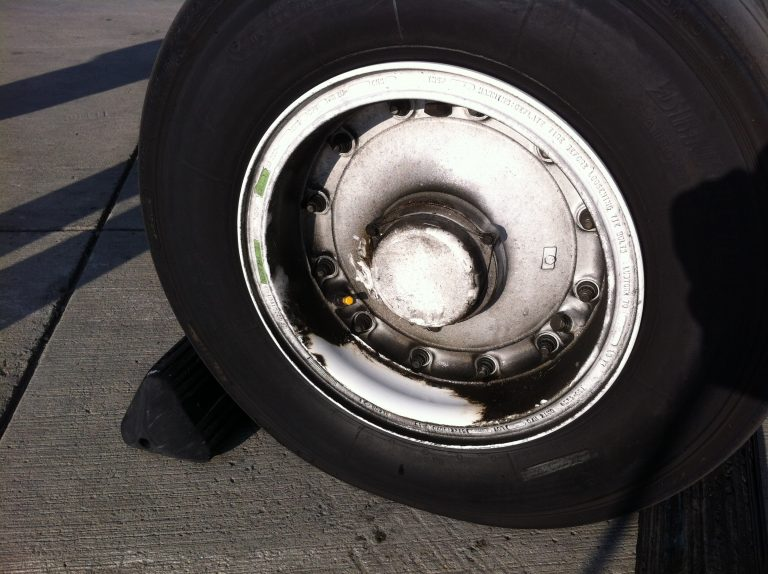 aircraft-rims-cleaning-1