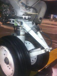 landing-gear-cleaning